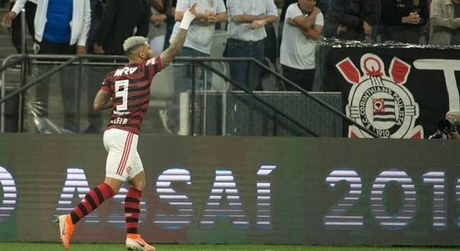 Gabigol marcou gol de empate do Flamengo aos 45 minutos do segundo tempo