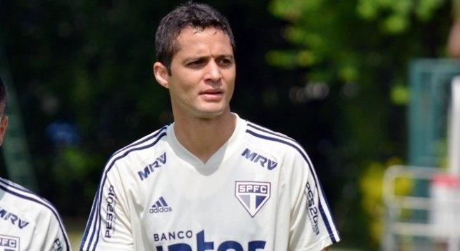 Anderson Martins, titular domingo, começará jogando mais uma vez