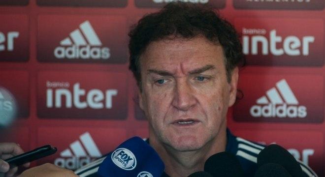 Cuca voltou a vencer com o São Paulo depois de quatro jogos