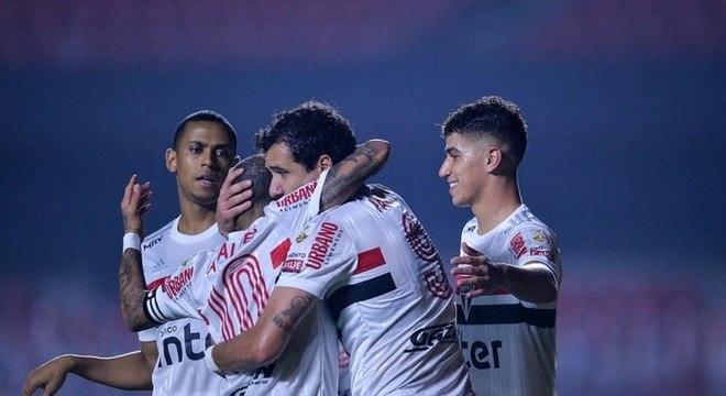 Pablo marcou duas vezes, sendo um deles um golaço, contra o Binacional