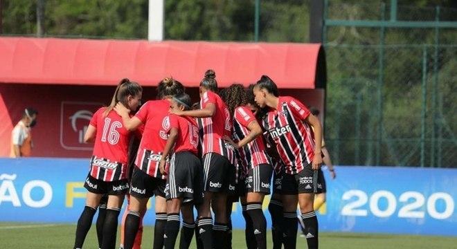 São Paulo já havia terminado primeiro tempo vencendo por 17 a 0