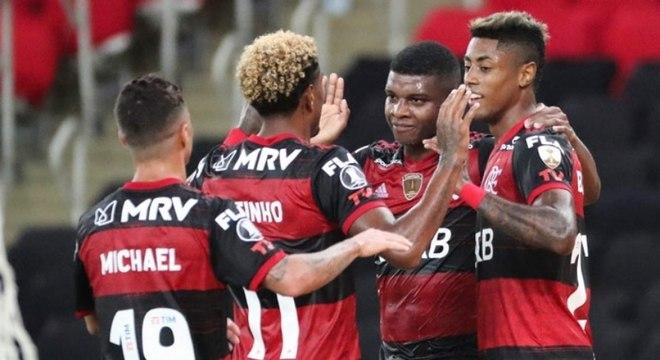 Flamengo atuou com time misto, mas mesmo assim venceu