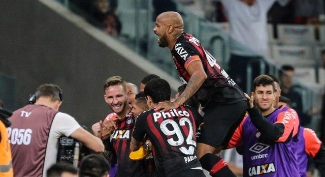 b7982d95bb Atlético-PR venceu o Corinthians por 1 a 0