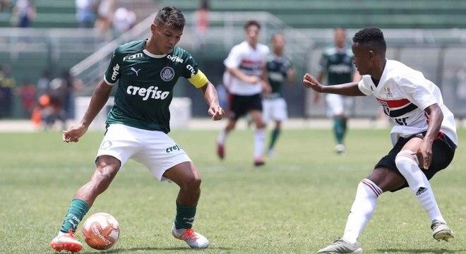Gabriel Veron durante a decisão do Campeonato Paulista sub-17, na quarta-feira