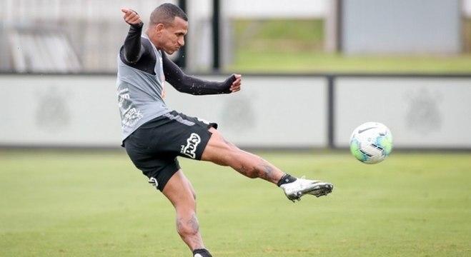 Autor do último gol corintiano na competição, Otero é uma das armas do time