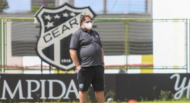 Guto Ferreira, técnico do Ceará, entra na mira do Galo após saída de Sampaoli