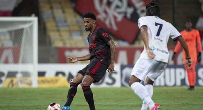 Bruno Viana teve estreia eficiente e segura no jogo contra o Resende