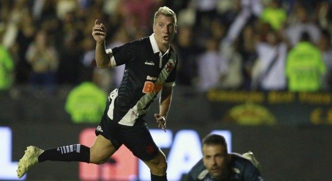 Maxi marcou em jogo que o Vasco perdeu para o Atlético-MG