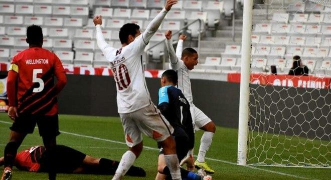 Fluminense vence Athletico-PR e quebra jejum de cinco anos sem vitória em Curitiba