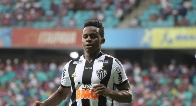 Cazares está muito perto de se tornar jogador do Corinthians