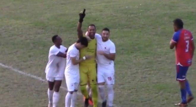 Goleiro Bruno bateu pênalti no empate do Rio Branco pela Série D do Brasileiro