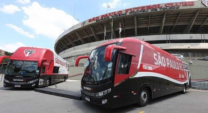 Ônibus do São Paulo foi apedrejado a caminho do Morumbi