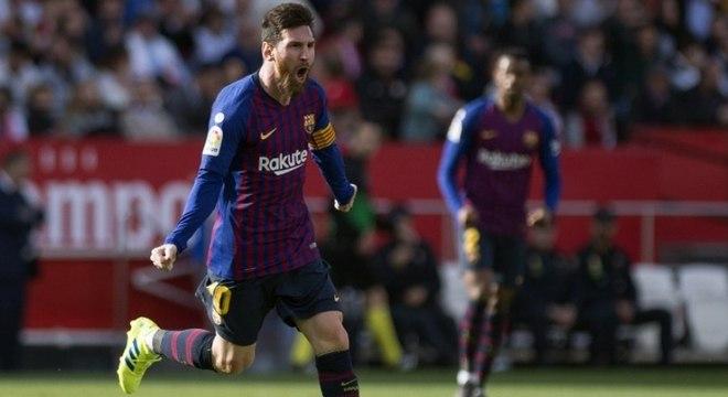 4b72720ebb947 Gênio! Messi faz hat-trick e Barça vence Sevilla de virada no ...