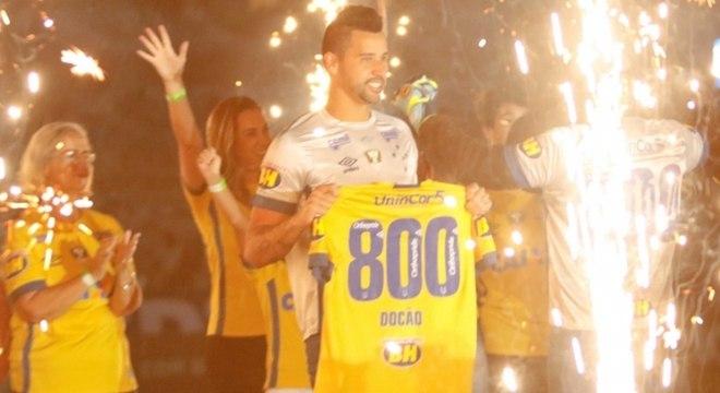 40ff4b049b7a9 Goleiro Fábio renova contrato com o Cruzeiro até o final de 2020 ...