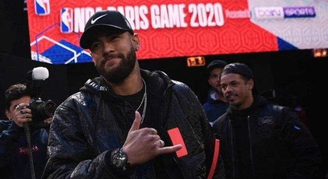 Neymar é fã da NBA e tem vários amigos na liga