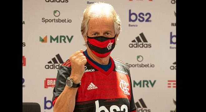Jesus comemora, em dia da renovação de seu contrato com o Flamengo