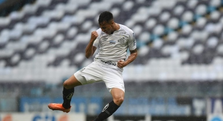 Santos e Grêmio se reencontram seis meses após duelos na Libertadores