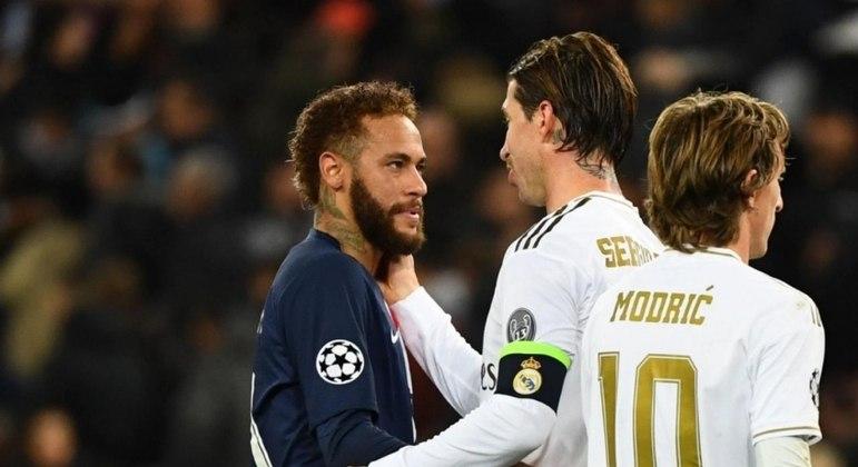 Sergio Ramos está próximo de fechar com o PSG e Neymar é peça chave na negociação