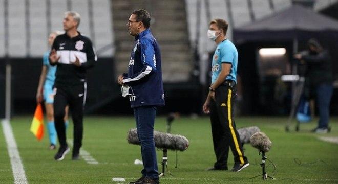 Luxemburgo ainda não conseguiu vencer rivais de Série A nesta passagem pelo clube