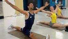 Djokovic ataca de ginasta em Tóquio ao lado de campeã mundial