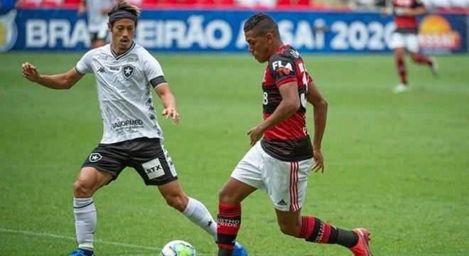 Jogo no Maracanã foi decidido após os 50 minutos do segundo tempo