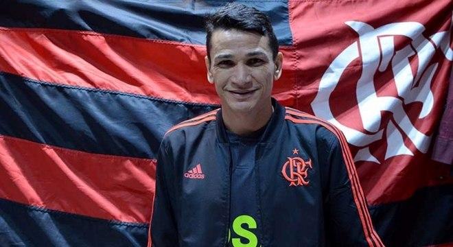 Angelim projeta ano vitorioso do Flamengo: 'Pelo menos um grande título'
