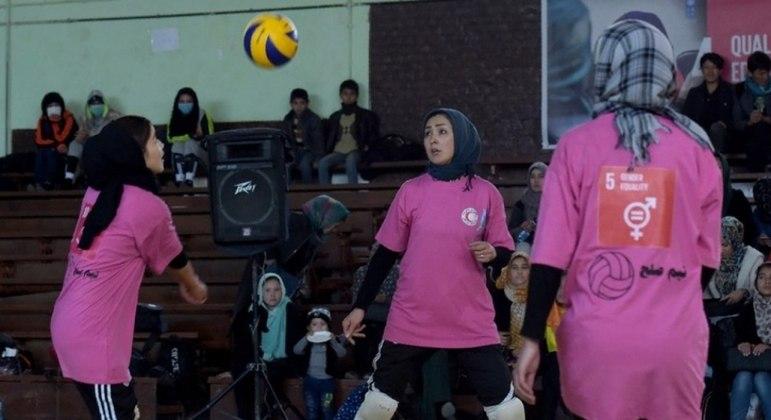 Mulheres foram proibidas de praticar esportes no Afeganistão