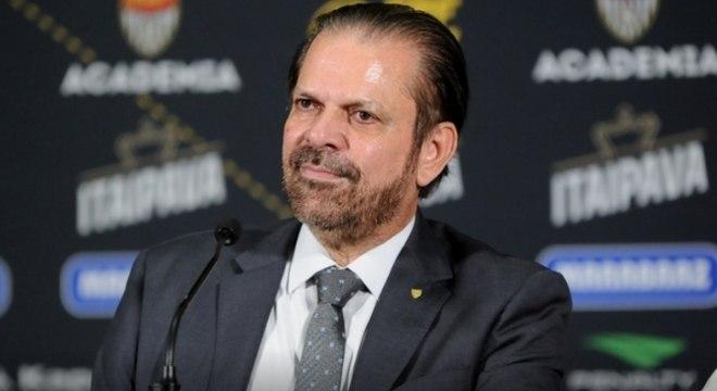 Reinaldo Carneiro Bastos, presidente da FPF, minimizou relação ruim com Palmeiras