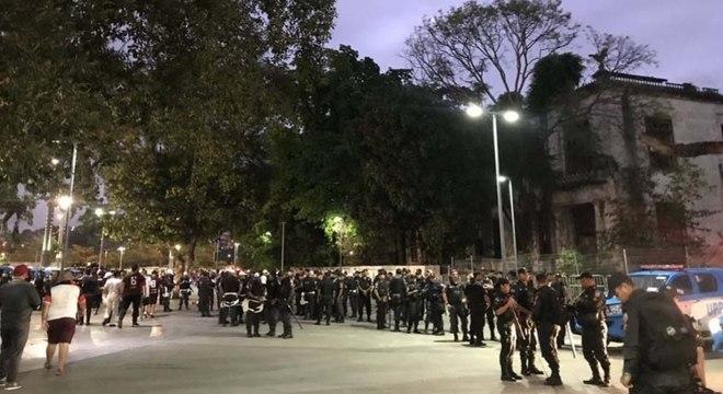 Policiamento foi reforçado para o jogo entre Flamengo e Grêmio