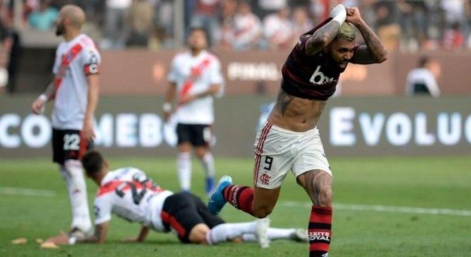 Gabigol marcou os dois gols de uma virada inacreditável do Flamengo