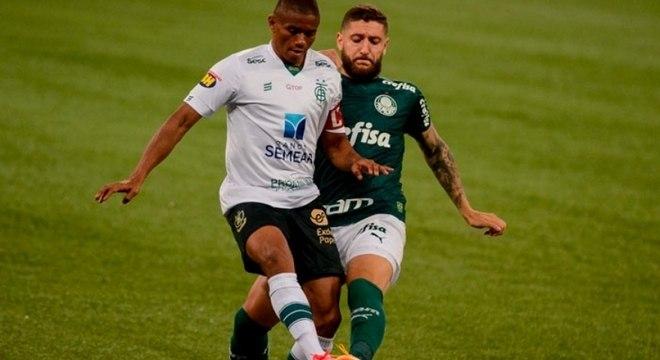 Jogo entre Palmeiras e América-MG foi bastante disputado