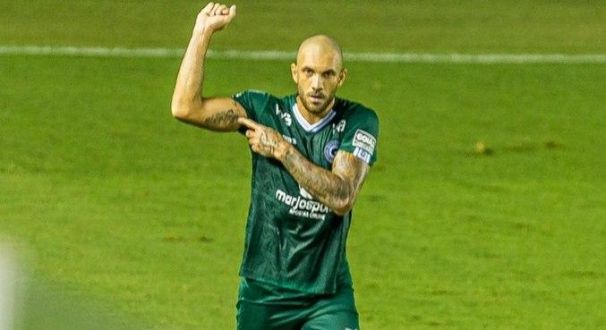 Goiás venceu o Santos de virada na Vila Belmiro