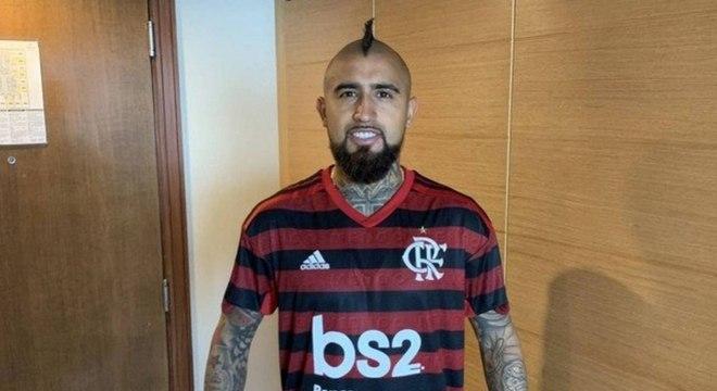 Segundo jornal, Vidal e Flamengo iniciaram conversas, mas negócio não seguiu adiante