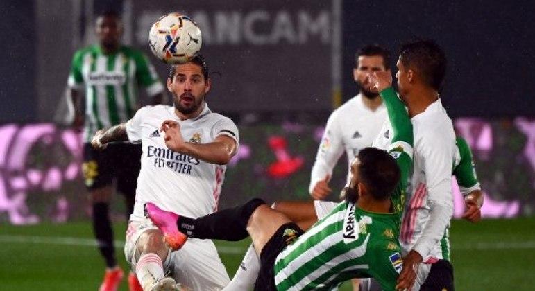 Real Madrid e Real Betis empatam em 0 a 0, neste sábado (24), pelo Espanhol