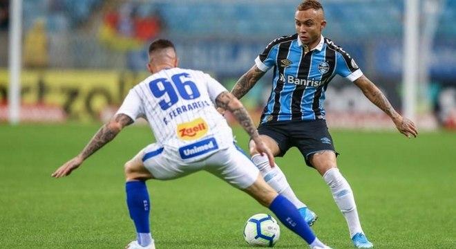Napoli está interessado em levar Everton Cebolinha para a Itália