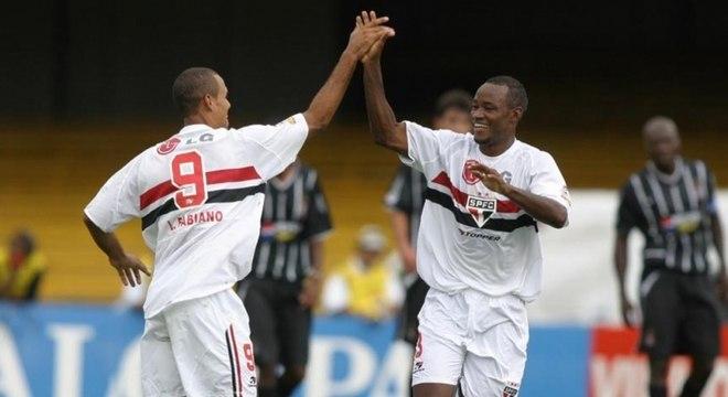 São Paulo livrou Corinthians do rebaixamento no Campeonato Paulista de 2004
