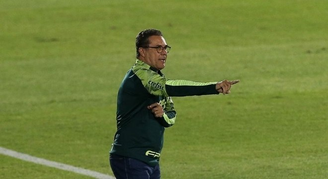 Vanderlei Luxemburgo ficou satisfeito com o empate com o Guaraní