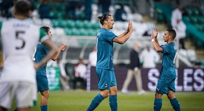 Ibrahimovic será desfalque no Milan em jogo decisivo pela Liga Europa