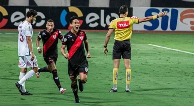 Flu é castigado no final e cai para Atlético-GO na Copa do ...