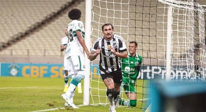 Ceará sobe na tabela do Brasileiro com vitória sobre o Coritiba, neste sábado (24