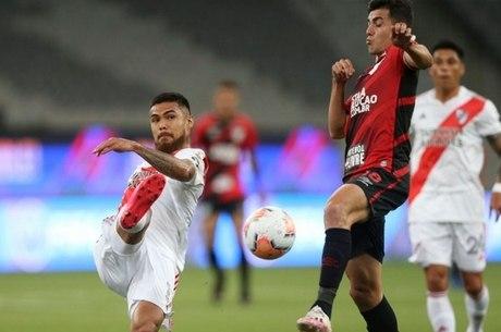 Athletico chegou a dominar River na Arena da Baixada