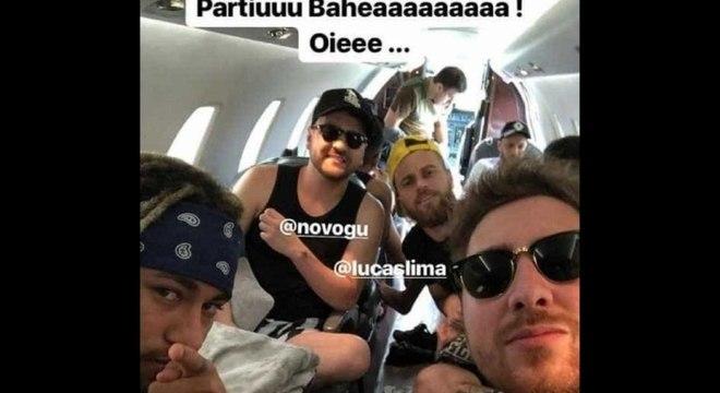 Neymar gosta de passar a virada do ano ao lado de seus amigos mais próximos