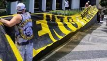 'Muito investimento e pouco futebol', reclamam torcedores em protesto na sede do Atlético-MG