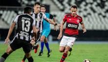 Capitão, Renê exalta elenco do Flamengo e revela conversa com Matheuzinho: 'Gosta de aprender'