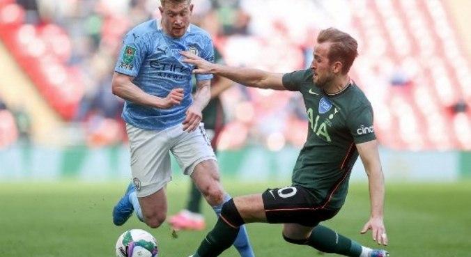 De Bruyne e Kane duelam no clássico entre City e Tottenham