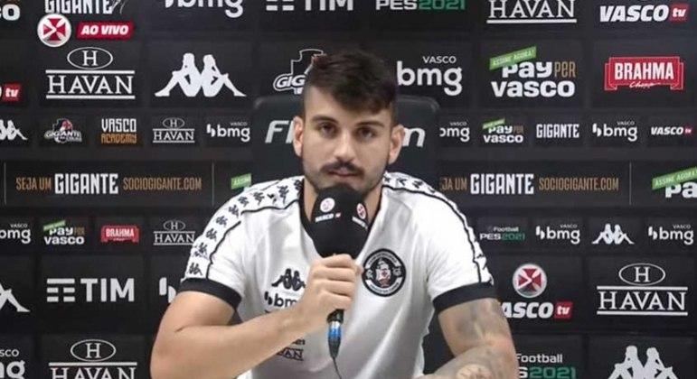 Zagueiro do Vasco comenta evolução da equipe
