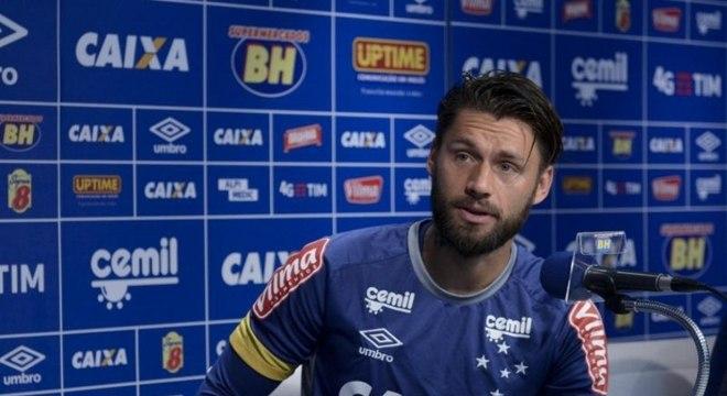 Sóbis e Pedro Rocha são as novas pendências urgentes que Cruzeiro tem na FIFA