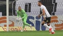 Weverton lamenta derrota no Dérbi e prega foco total na Libertadores