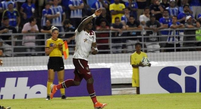 Yony González marcou o gol da vitória que deu alívio ao Flu na tabela