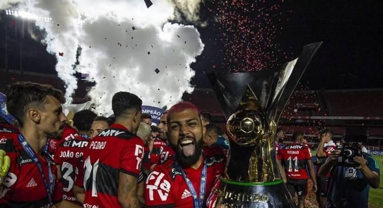 Gabigol comemorou bastante o segundo título brasileiro consecutivo